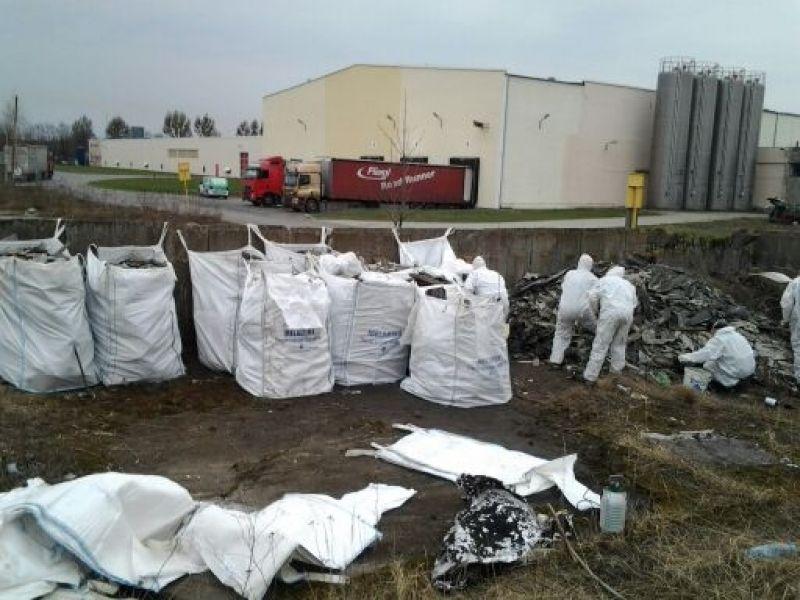 Galeria Odbiór materiałów zawierających azbest Warszawa